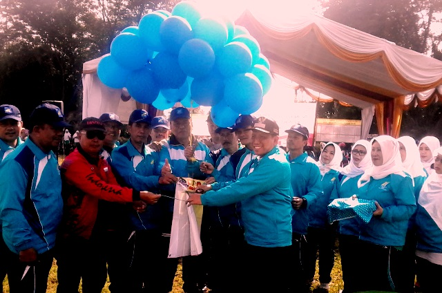 Kepala Dinas Pendidikan Kota Depok Mohammad Thamrin Membuka Lomba Pendidikan Tingkat Sekolah Dasar Se-Kecamatan Bojongsari.